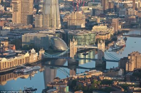 Thames Dawn