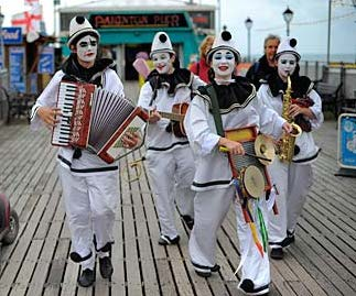 The-Pier-Echoes-a-pierrot-006