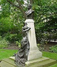 200px-Memorial_To_Sir_Arthur_Sullivan