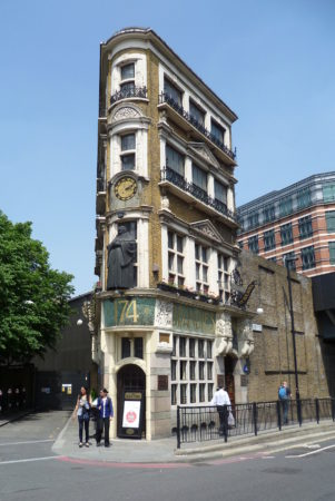 The_Black_Friar_Pub,_London_EC4