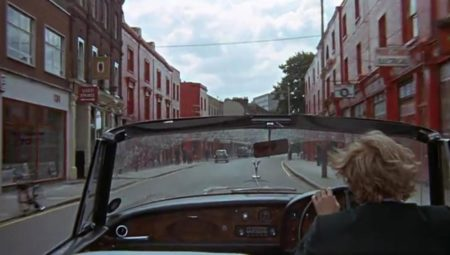 blowup-1966-014-thomas-drives-through-charlton-road