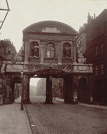 Temple_Bar,_London,_1878-768x967